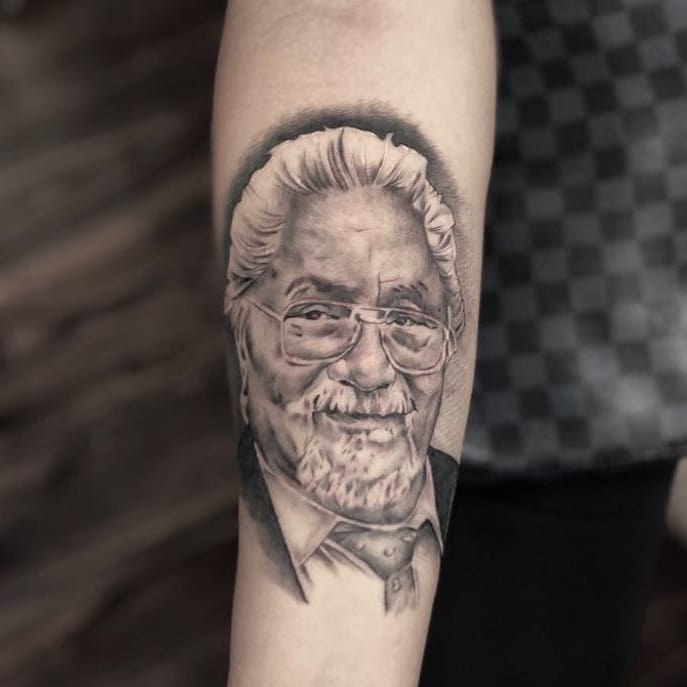 blackandgrey-portrait-tattoo