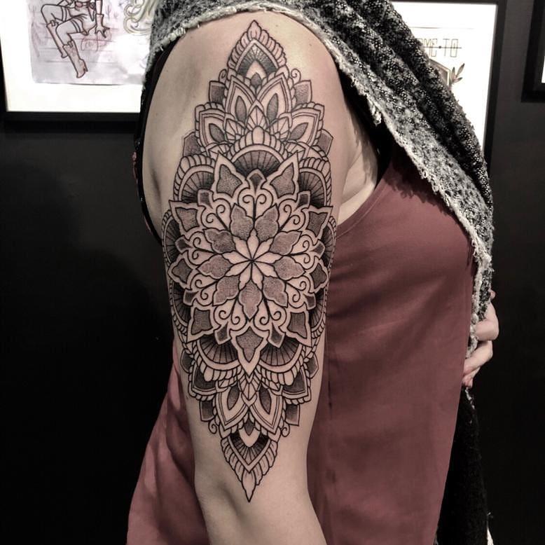 dotwork-mandala-tattoo