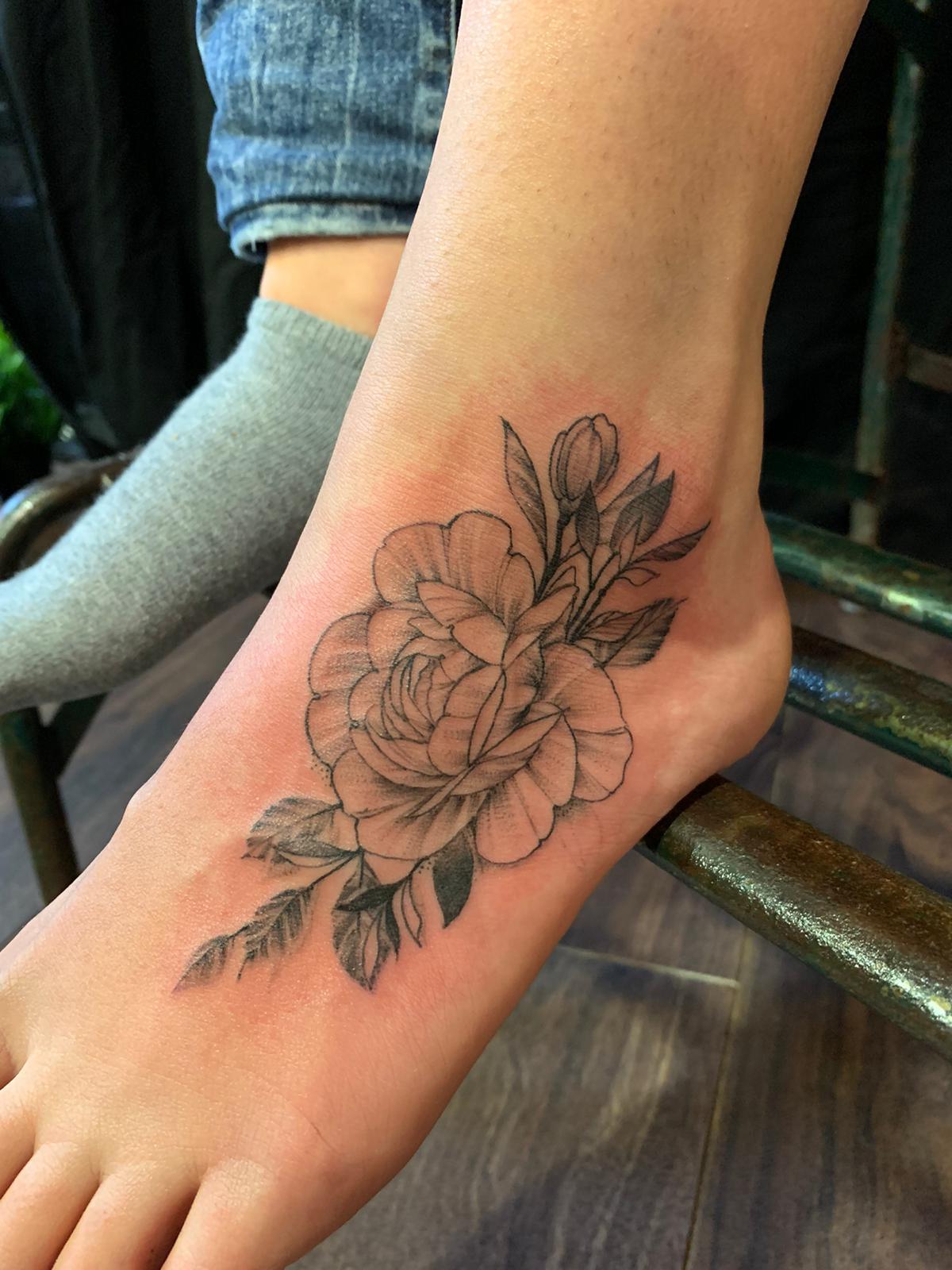 flower-feet-tattoo