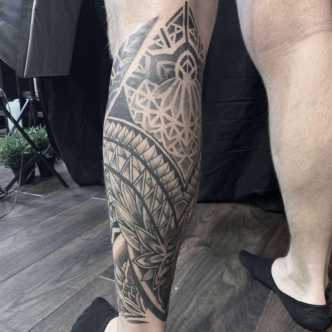 Polynesian-dotwork-tattoo