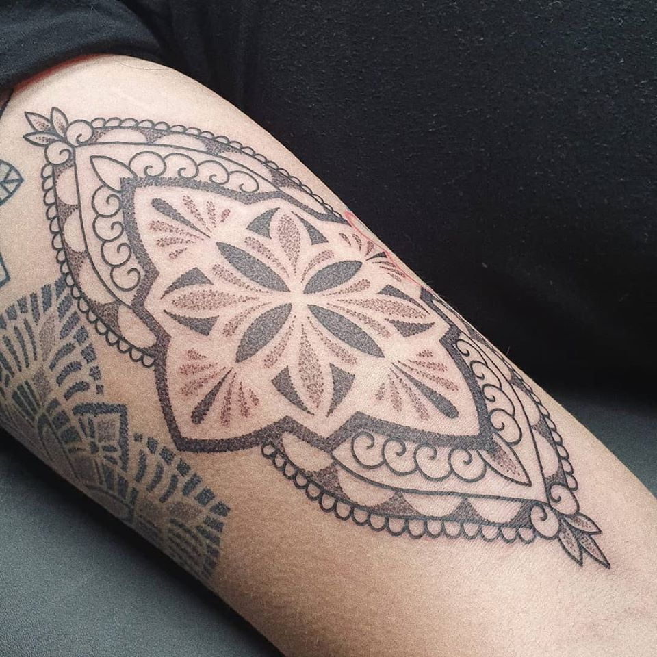 dotwork-ornamental-tattoo